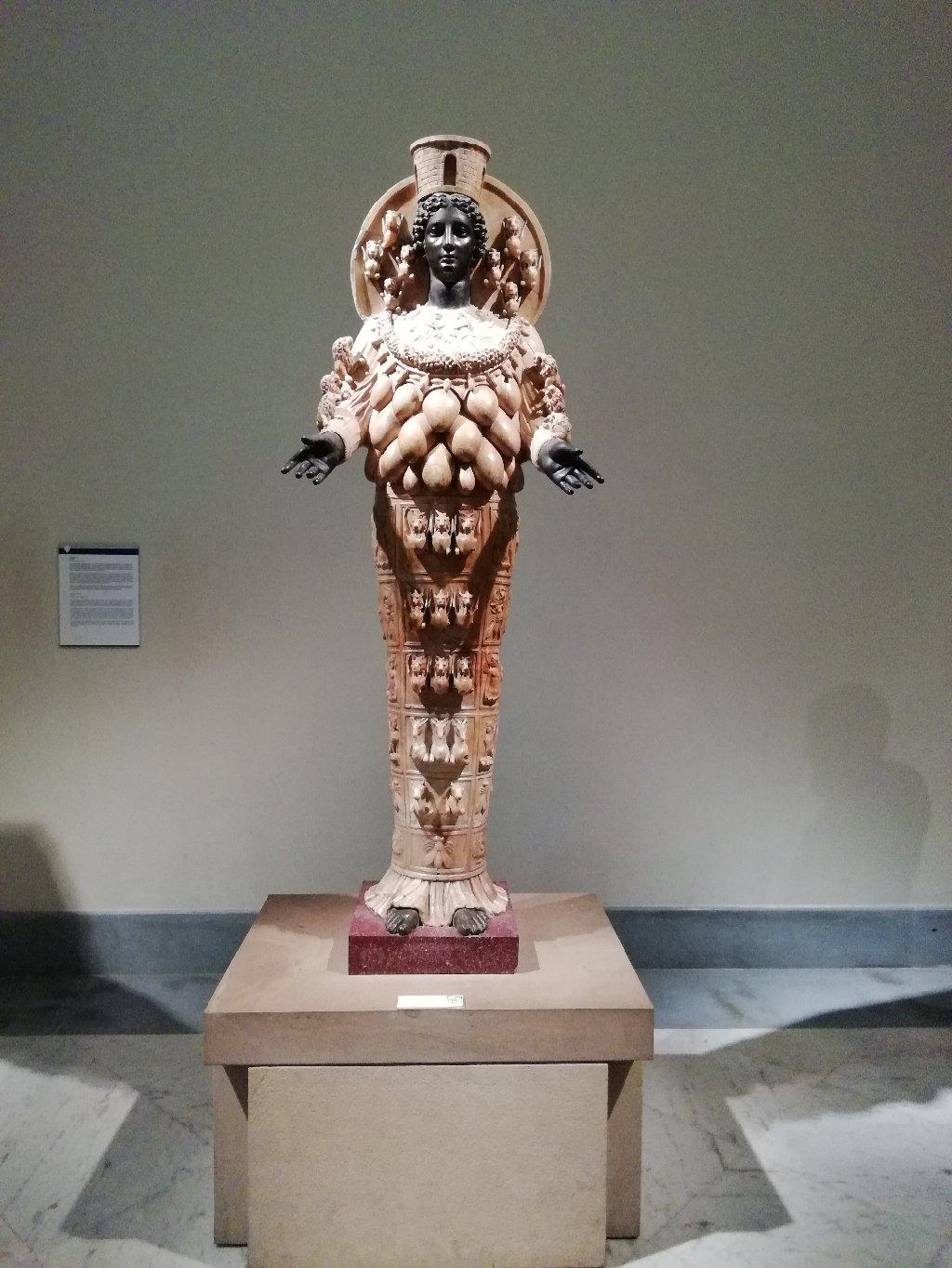 Statue présenter dans le musée archéologique de Naples