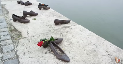 The_shoe_memorial
